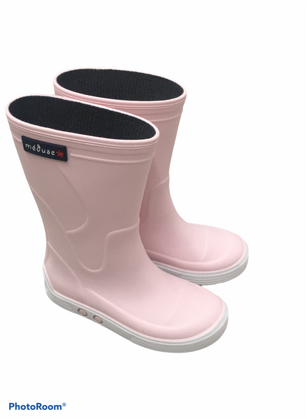Wellie boots in baby pink