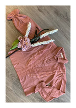Load image into Gallery viewer, Blush pink detailed shirt