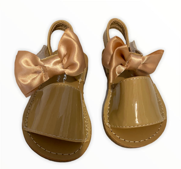Beige  bow sandle