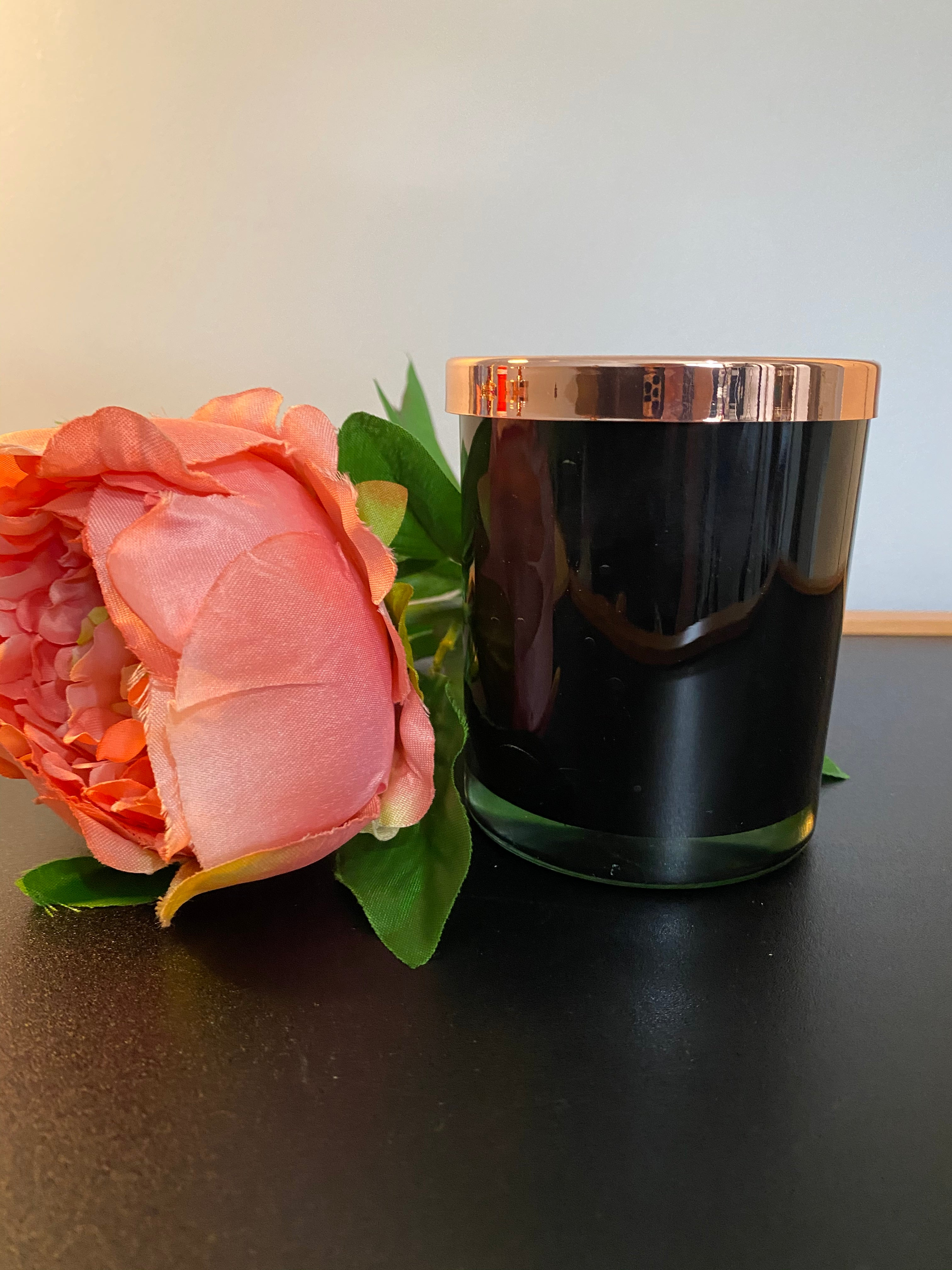Elegant Glass Soy Candle in black or clear