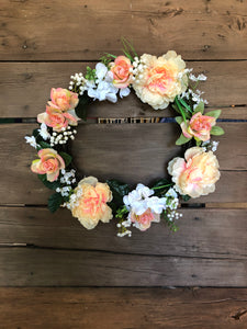 "18"" Wreath - Peach and White"