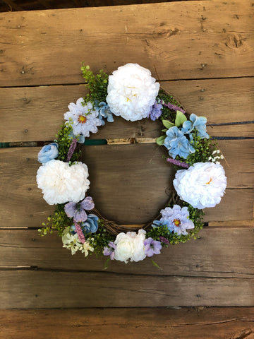 "18"" Blue and White Wreath"