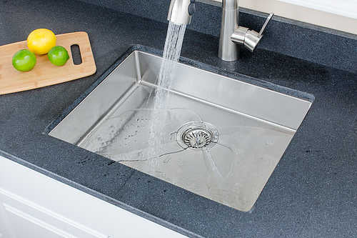 Wells Sinkware Handcrafted 23-inch 18-gauge Undermount Single Bowl ADA Compliant Stainless Steel Kitchen Sink