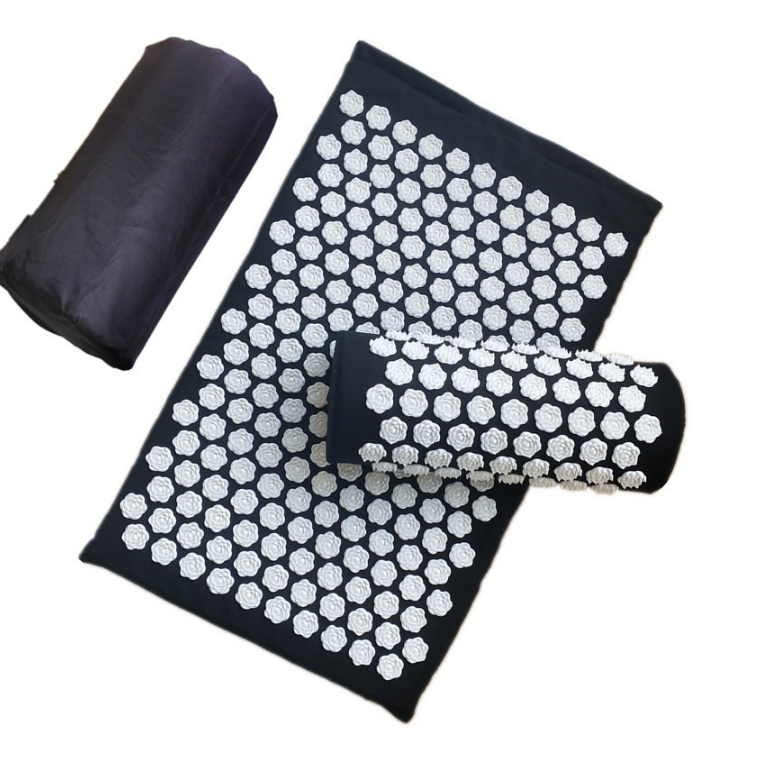 Fleur De Lotus® : Relax your back with the Acupressure Mat and Pillow Set