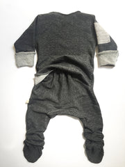 Vingerhoet Baby Ready Romper Gift Onesie Long Sleeve Dark Gray Back View