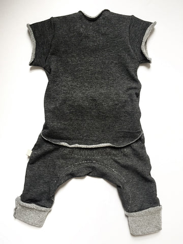 Vingerhoet Baby Ready Romper Gift Onesie Dark Grey Cap Sleeve, Back view