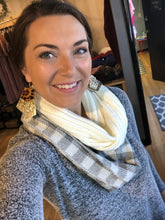 Load image into Gallery viewer, Infinity scarves