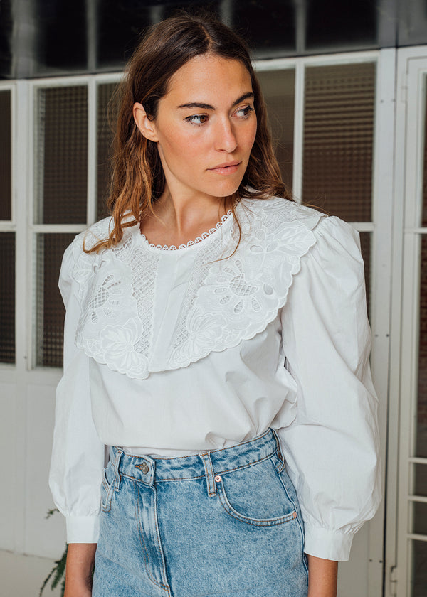 White shirt - Claire