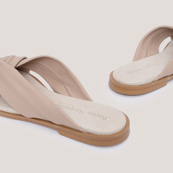 Nude cross leather sandal - MEDUSA - Bryan Stepwise