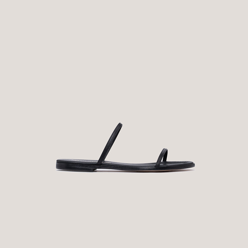 Black strappy leather flat sandal - MILÁN - Bryan Stepwise
