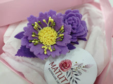 Load image into Gallery viewer, Felt floral hair barrette, Handmade Hair clip, Hair Accessories, French barrette,