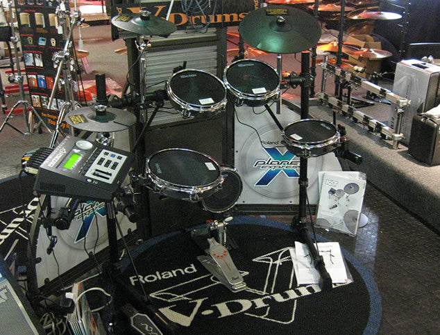 Pintech PDK-1000 Electronic Drum Set with Pearl Single Bass Drum Pedal
