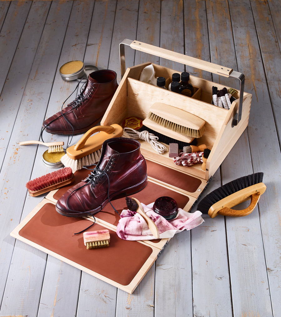 Shoe Cleaning Valet Box with Folding Lid