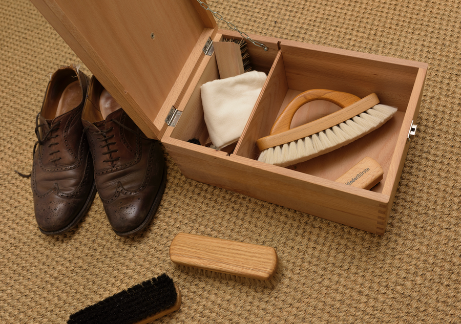Shoe Cleaning Valet Box With Footrest Beechwood