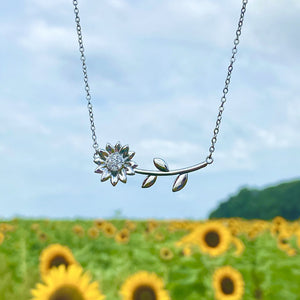 Lying Sunflower Necklace
