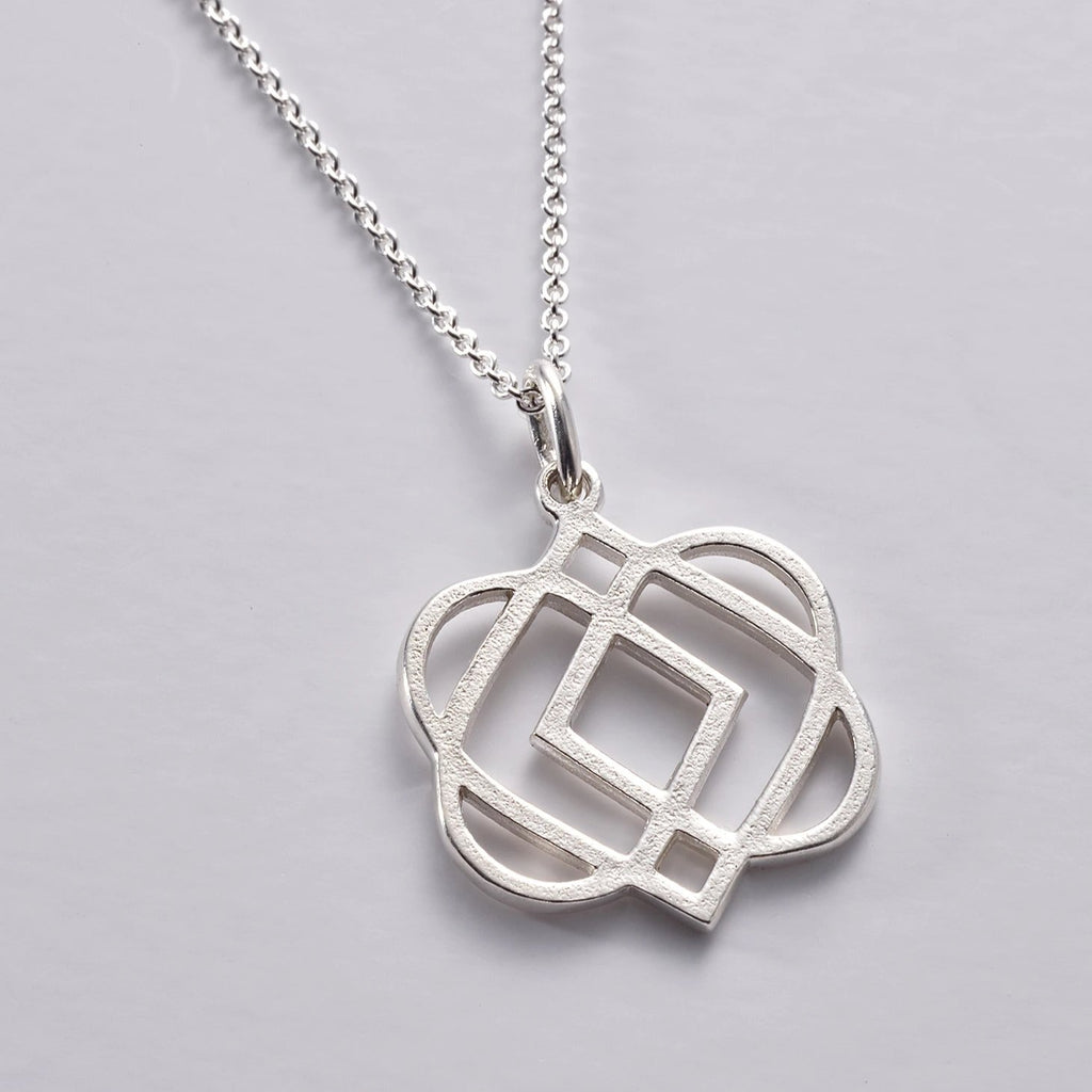 ONENESS Medium Silver Pendant & Chain