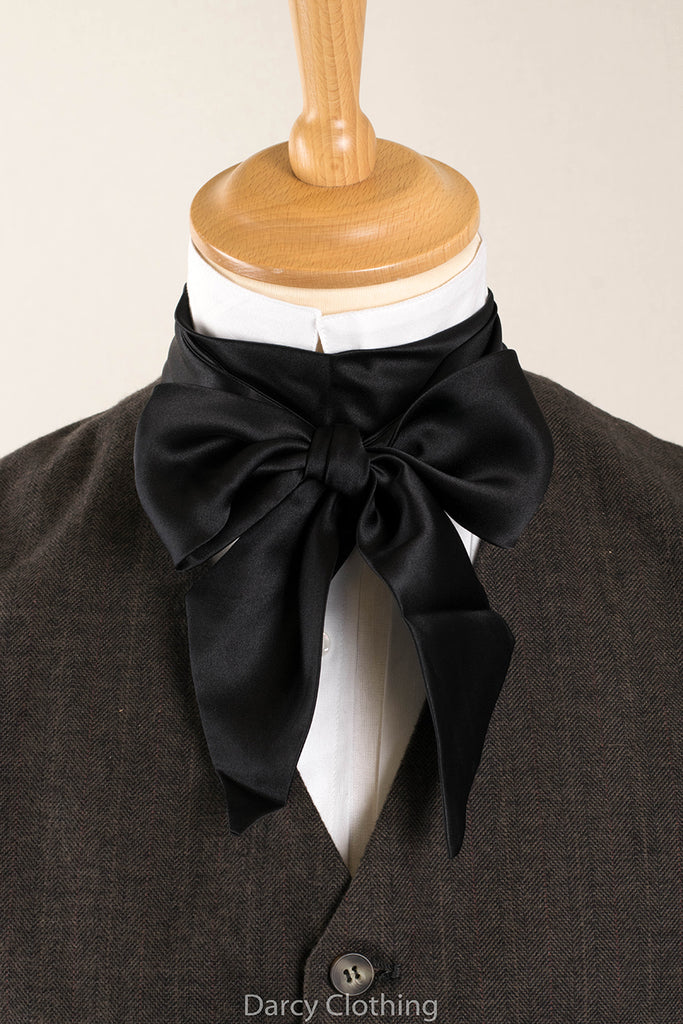 Black C19th Silk Bow Tie (CR560)
