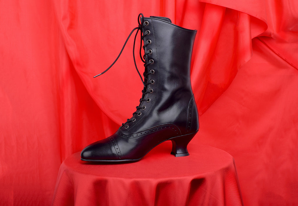 Victorian Lace Up Leather Boots (SP1910)