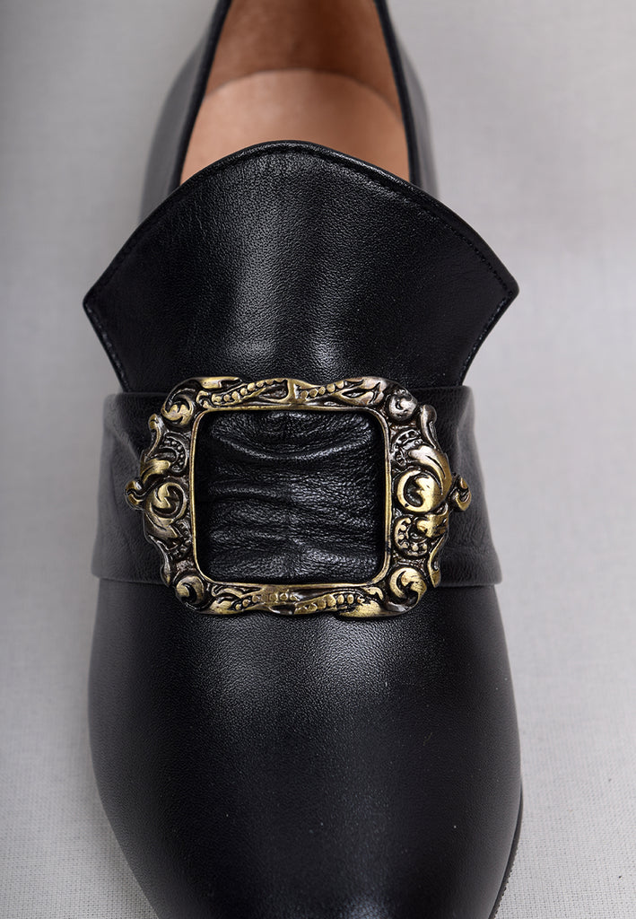 Nineteenth Century Ladies Leather Buckle Shoes (SP1900)