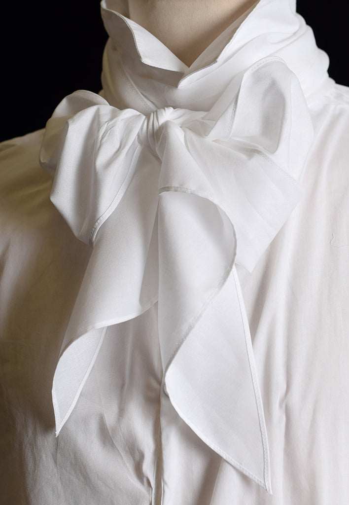 C18th Long Cotton Lawn Cravat (CR110)