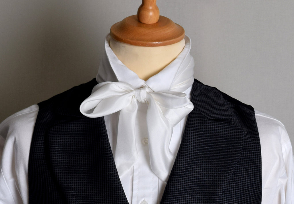 White Victorian Silk Bow Tie (CR562W)