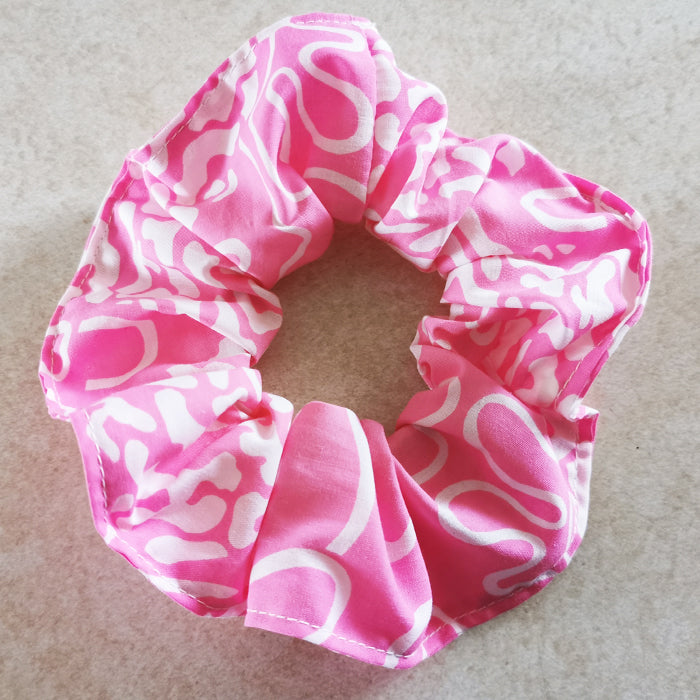 Scrunchie - pink and white