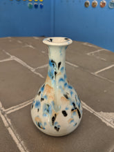 Load image into Gallery viewer, Small Porcelain Vase