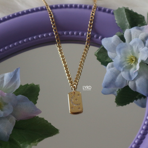 MIDNIGHT MEMORIES GOLD NECKLACE