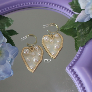 PEARLY HEART BIG EARRINGS