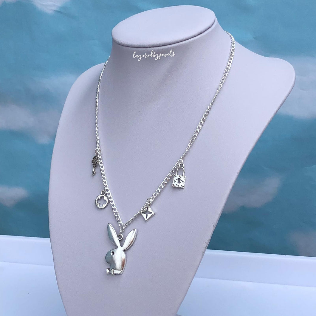 IVY BUNNY CHAIN NECKLACE