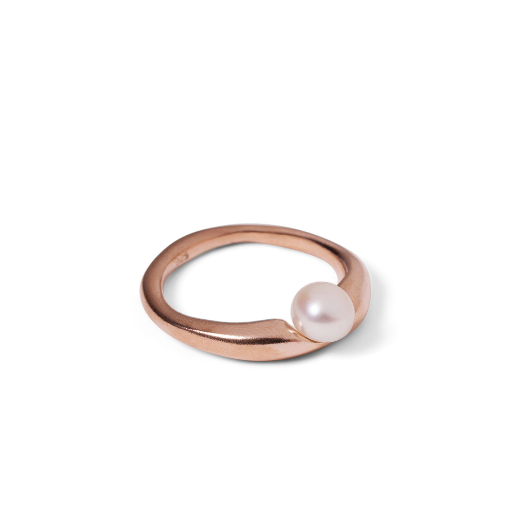 pearl ring (multiple colours)