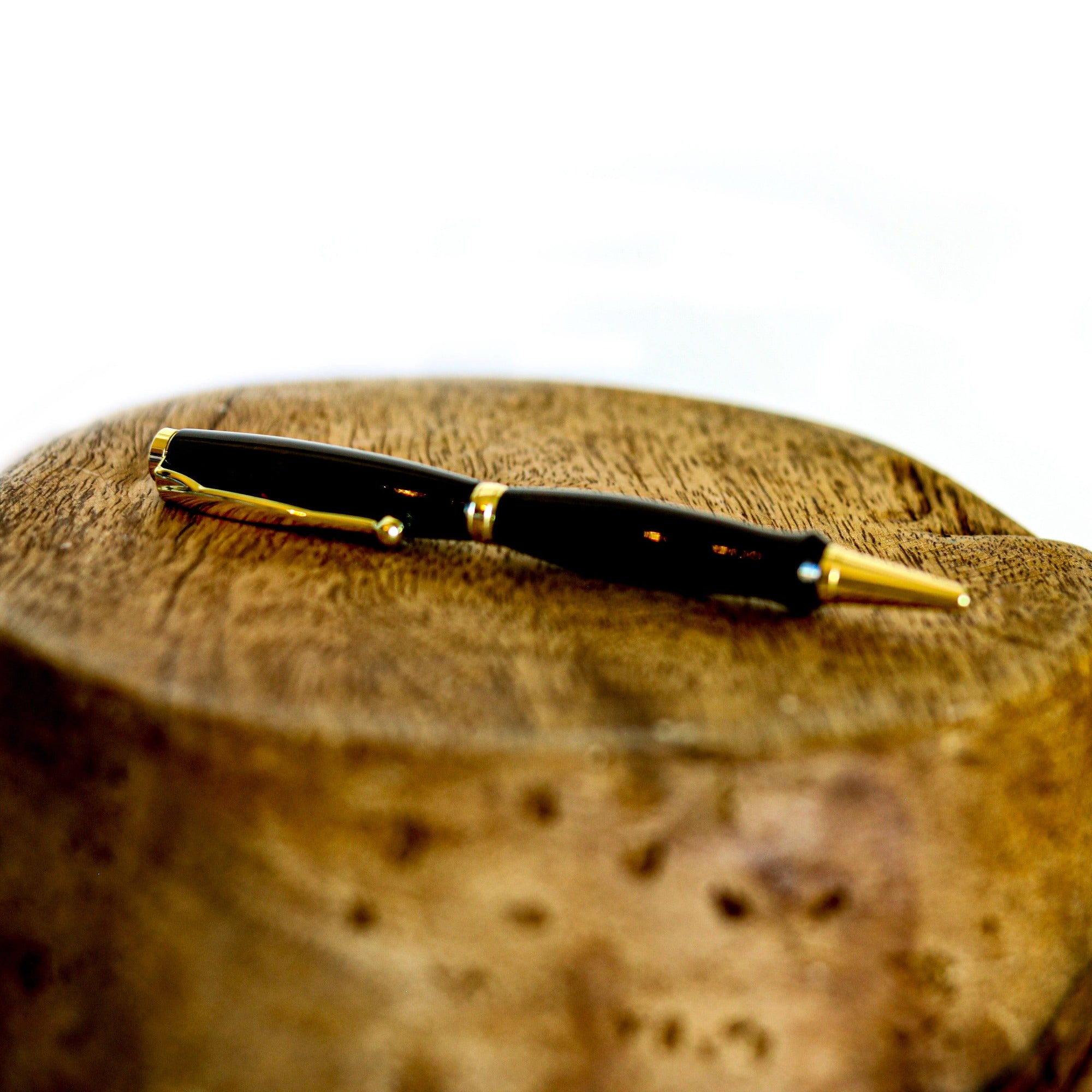 wooden pen: black