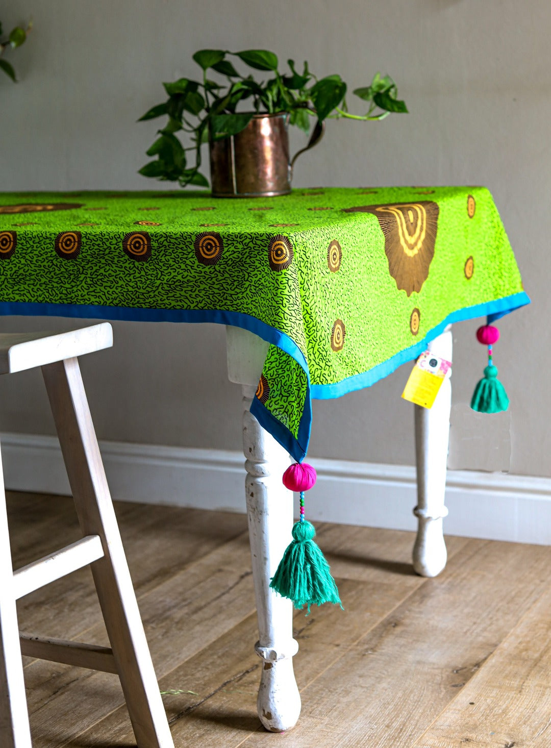 tassled table cloth: pastures
