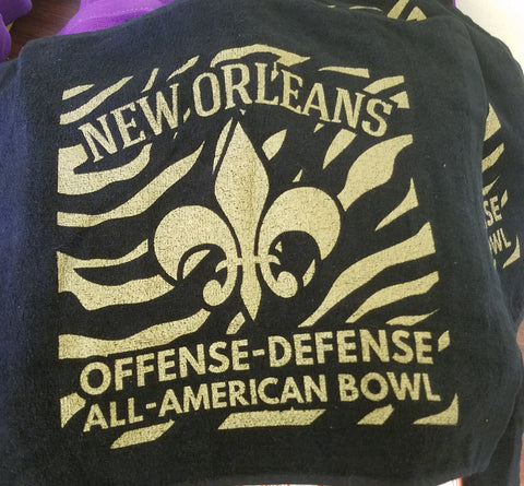 NOLA black and gold towel