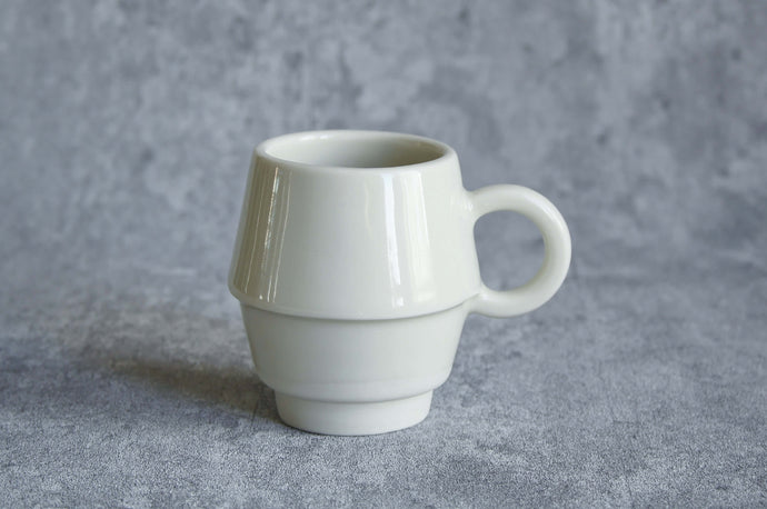 0102 - Interchangeable Mould Project - Circle handled cup