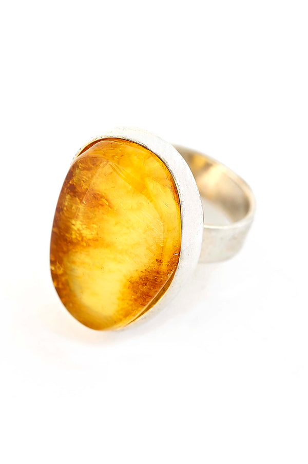 Vibrant Sterling Silver Golden Amber Oval Ring