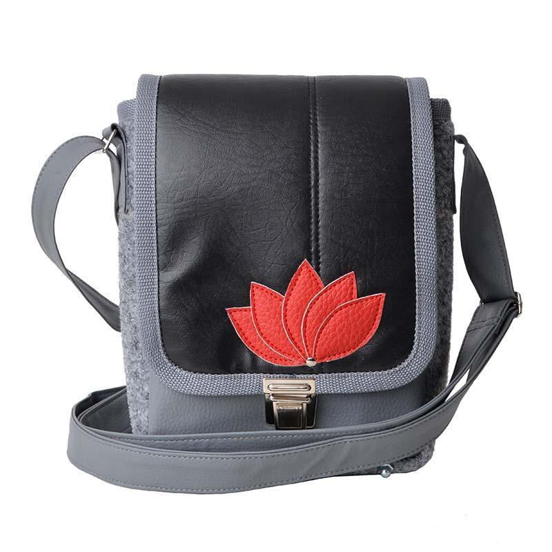 Lotus Bag Black-Red 18x23x7 cm
