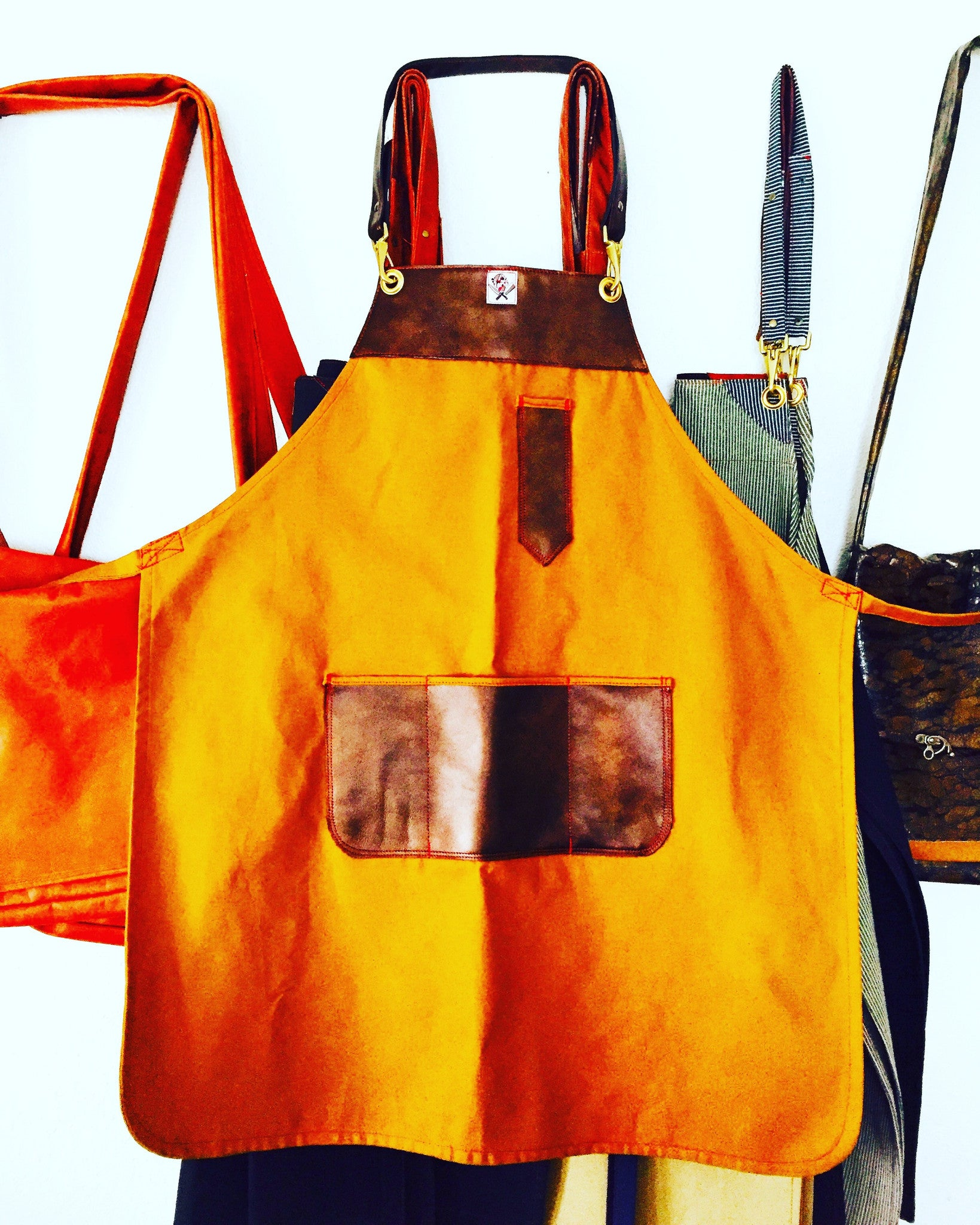 "The ""Dominguez"" canvas & leather apron"
