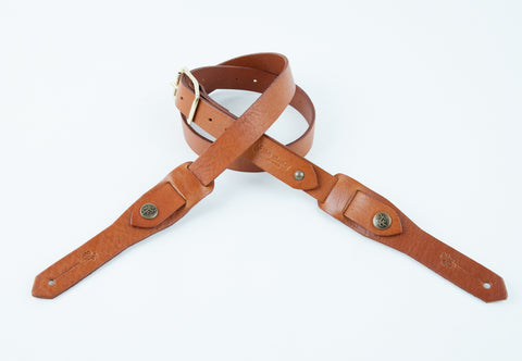 CROSBY GUITAR STRAP (COGNAC/BRASS)