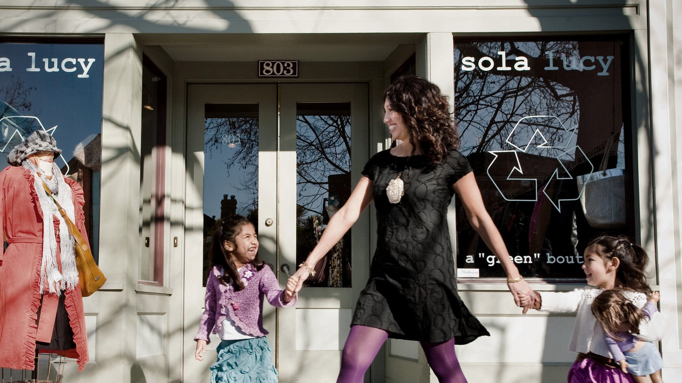 sola-lucy-ross-berkeley-oakland-consignment