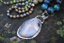 Load image into Gallery viewer, Marfa plume agate hand knotted silk necklace