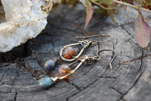 Load image into Gallery viewer, Oxidized brass mauve tear drop earrings