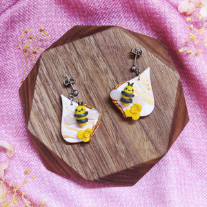Buzzing bee floral sunshine yellow and gold with hearts earrings sweet style with teardrop floral braids