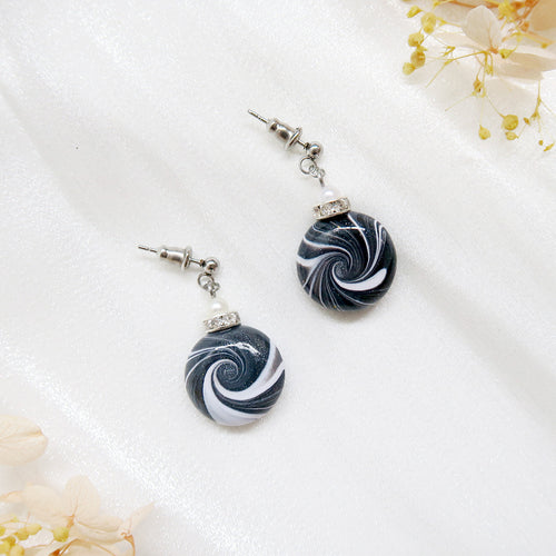Minimalist Black white shiny Swirl Earrings