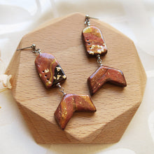 Load image into Gallery viewer, Handmade Polymer clay cinnamon marble shimmer shiny gold flakes earrings