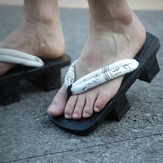 Geta Japanese Shoes - Kuro Kanji