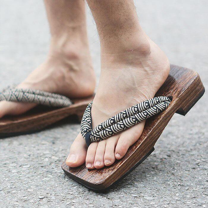 Men's Japanese Geta Sandals - Seigaiha