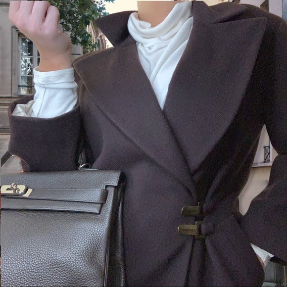 Chanel Cashmere mid length coat with bronze clasps - ReLuxe.