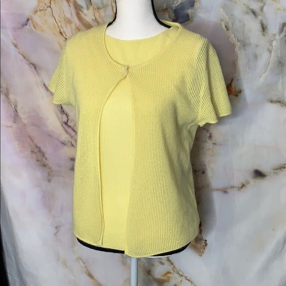 Chanel 100% cashmere two piece yellow sweater set - ReLuxe.