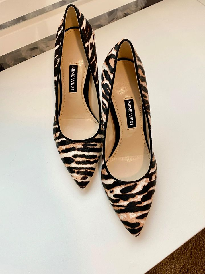 Nine West Tatiana Winter Leopard Haircalf Pointy Toe Heels